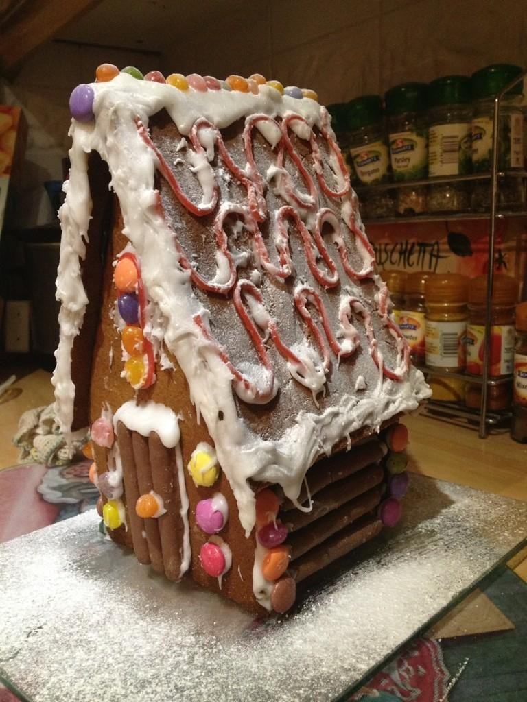 Gingerbread House - 1 (2)